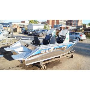 Продаем лодку (катер)   Berkut S-TwinConsole